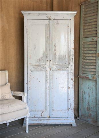 armoire667.jpg