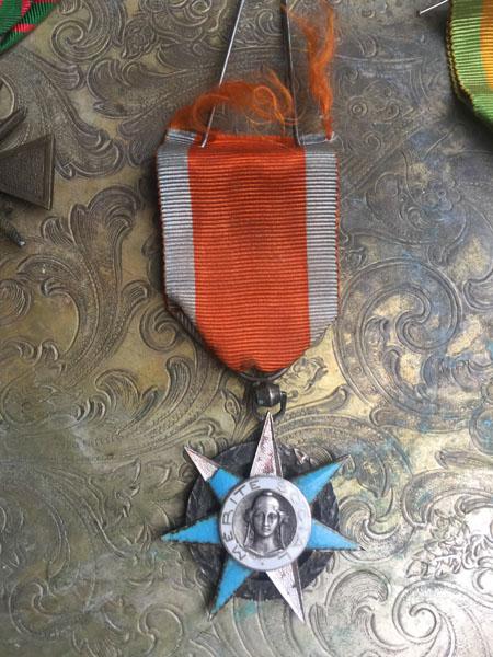 medalB.jpg