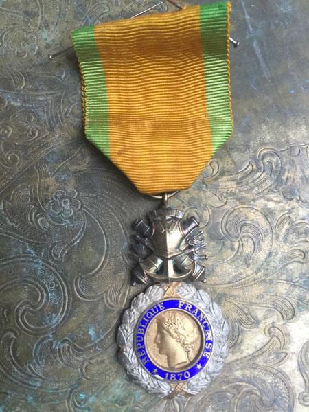 medalC.jpg