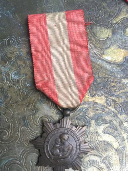 medalD.jpg