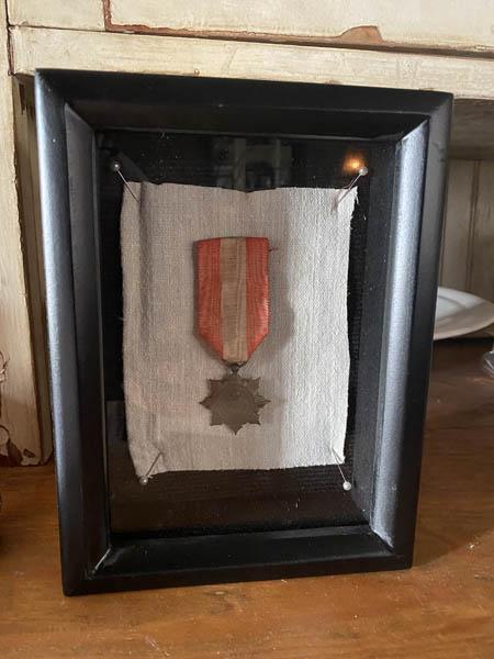 medalD1.jpg