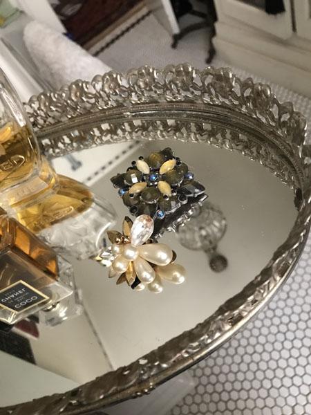 mirrortrayB.jpg