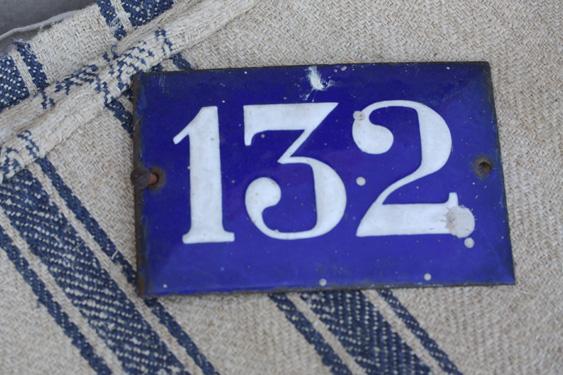sign132.jpg