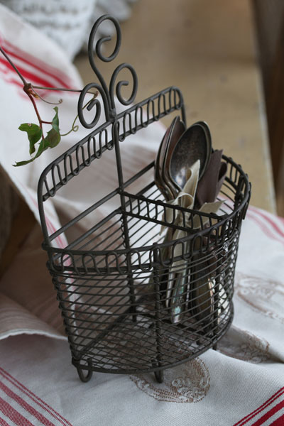 silverwarecaddy2.jpg