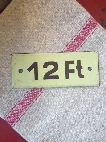 yellownumber.jpg